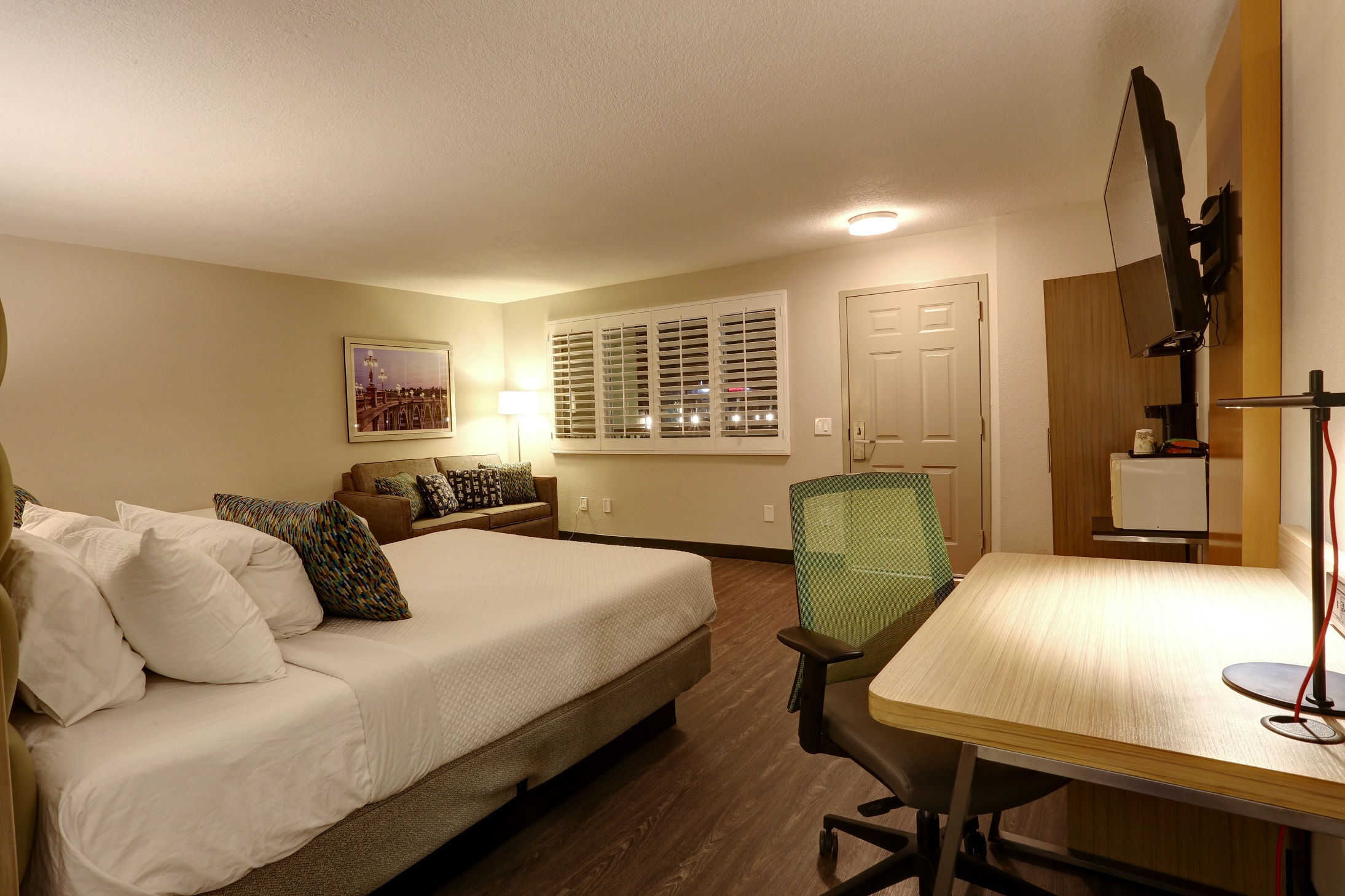 GreenTree Inn | Find the best stress free downtown Pasadena hotels in California